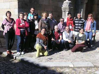grupo de participantes en  el mercado de la Alberca