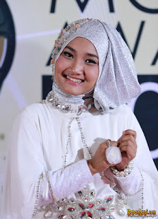 Download Mp3 Fatin – Sepohon Kayu