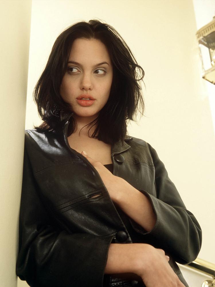 Angelina Jolie Long Hairstyles 4