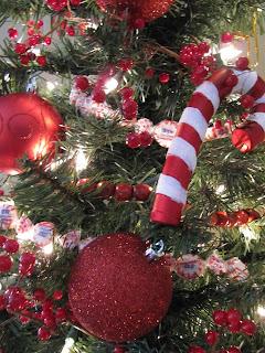 как сделать новогоднюю гирлянду , как сделать новогоднюю гирлянду из конфет
