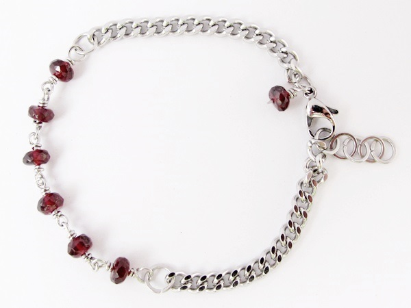 Minlet by WireBliss - Garnet with Curb Link Stainless Steel Chain