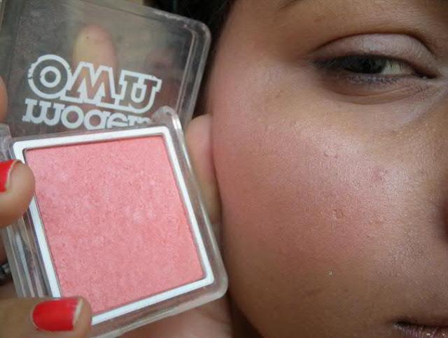 Models Own Blush in Warm Glow
