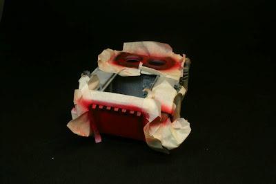 Vista trasera del razorback pintado de Rojo Fuego de Vallejo Model Air