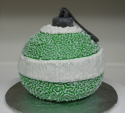 Christmas Ornament Cake - Level View