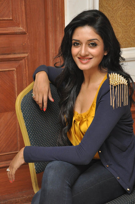 vimala raman at chukkalanti ammai chakkanaina abbai pressmeet photo gallery