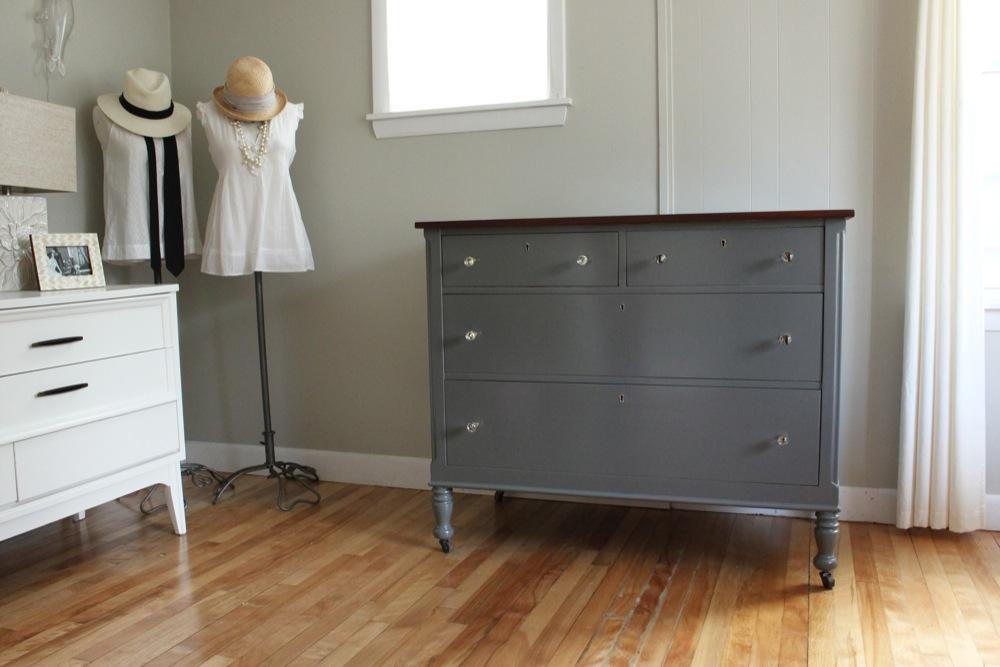 Sligh Furniture Antique Dresser