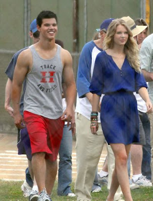 Taylor Swift with Boyfriend