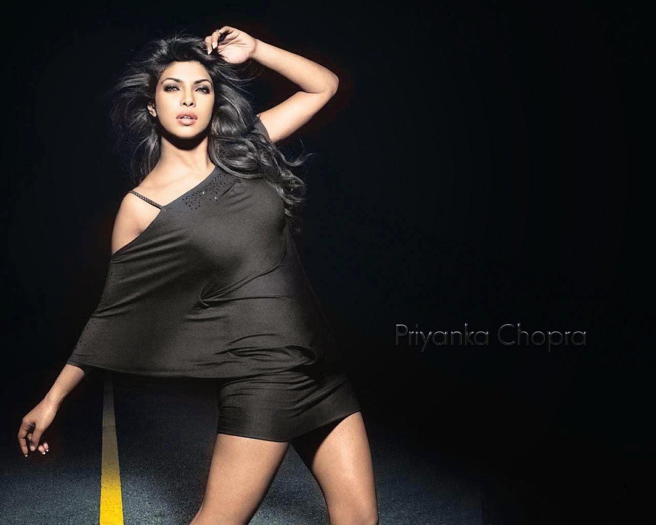 Priyanka Chopra | Hot HD Wallpapers 2014-2015