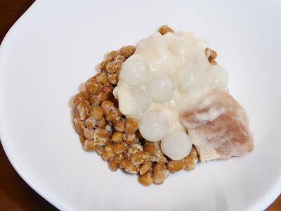 納豆にいなばタロイモとココナッツミルク・タピオカ入り〔缶詰〕