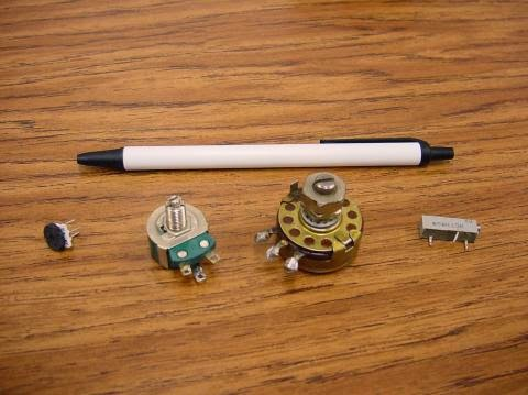 http://trikueni-desain-sistem.blogspot.com/2014/06/pengertian-resistor.html