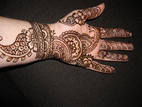 Traditional Mehndi Designs For Hands : Traditional indian mehndi designs for hands celebrity
