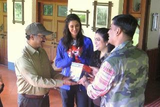 Nargis Fakhri extends support to Aircel's'Save Our Tigers'initiative