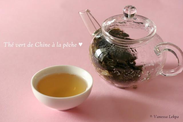 photo dégustation de thé cérémonie du thé éclosion perles de jade mini théière en verre capacité 200 ml thécalin vanessa lekpa blog spécialisé dans le thé