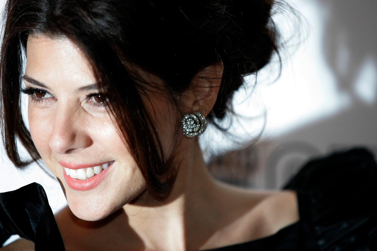 http://2.bp.blogspot.com/-6bQDak5iURM/Tph4xaqerRI/AAAAAAAAGFI/3r-asTFOHJU/s1600/Marisa+Tomei+15.jpg