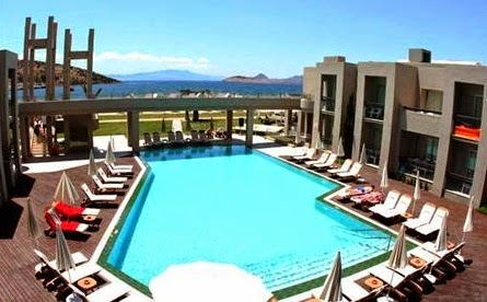 ambrosia-otel-havuzu-bitez-bodrum-muğla