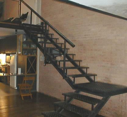 Herreria ballerini escalera suspendida for Escaleras suspendidas