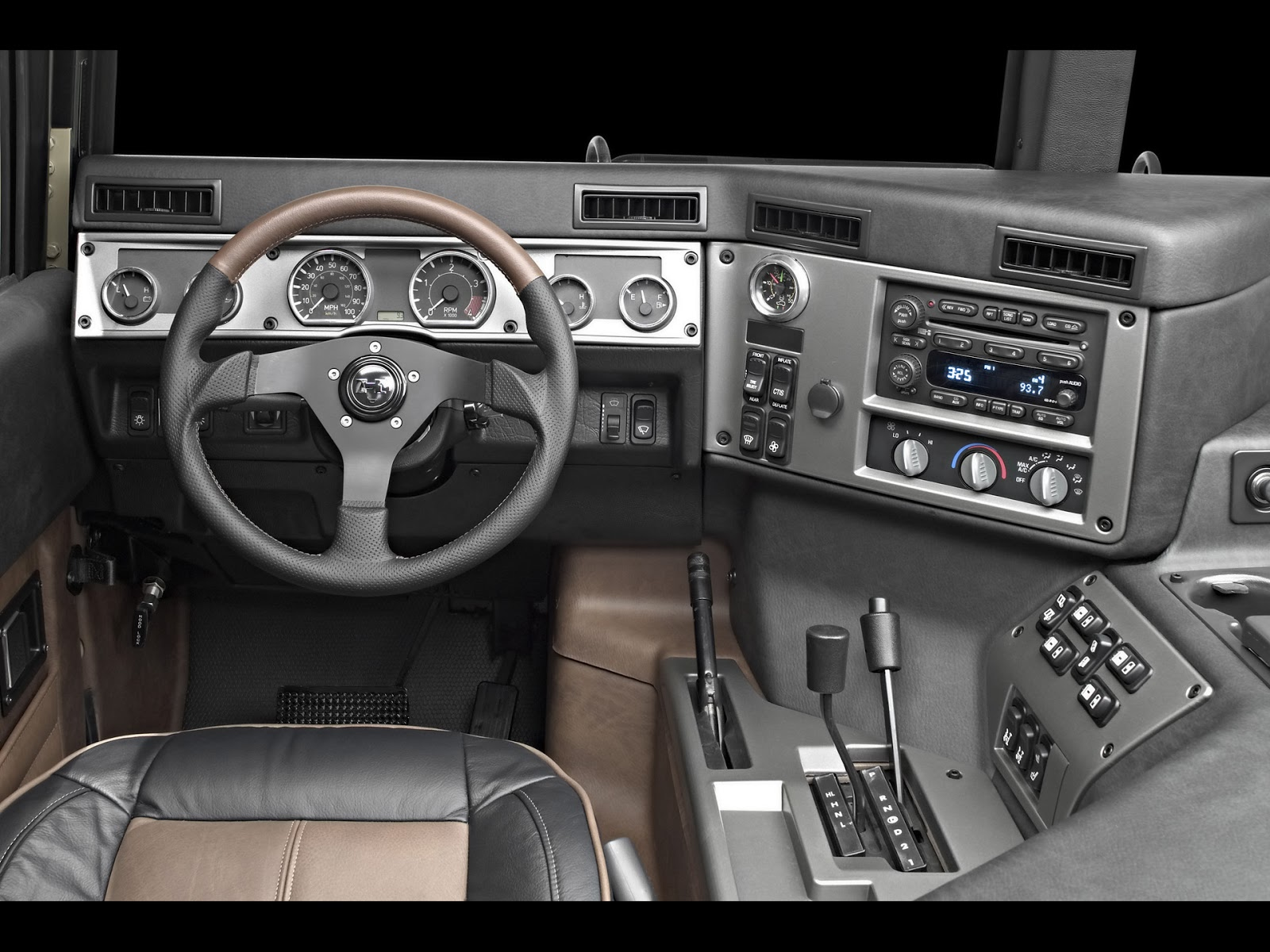 All bout cars hummer h1 the update program commenced in late 2002 with production launch slated to be fall of 2004 the engineering team chose the engine variant out of the gmt560 vanachro Choice Image