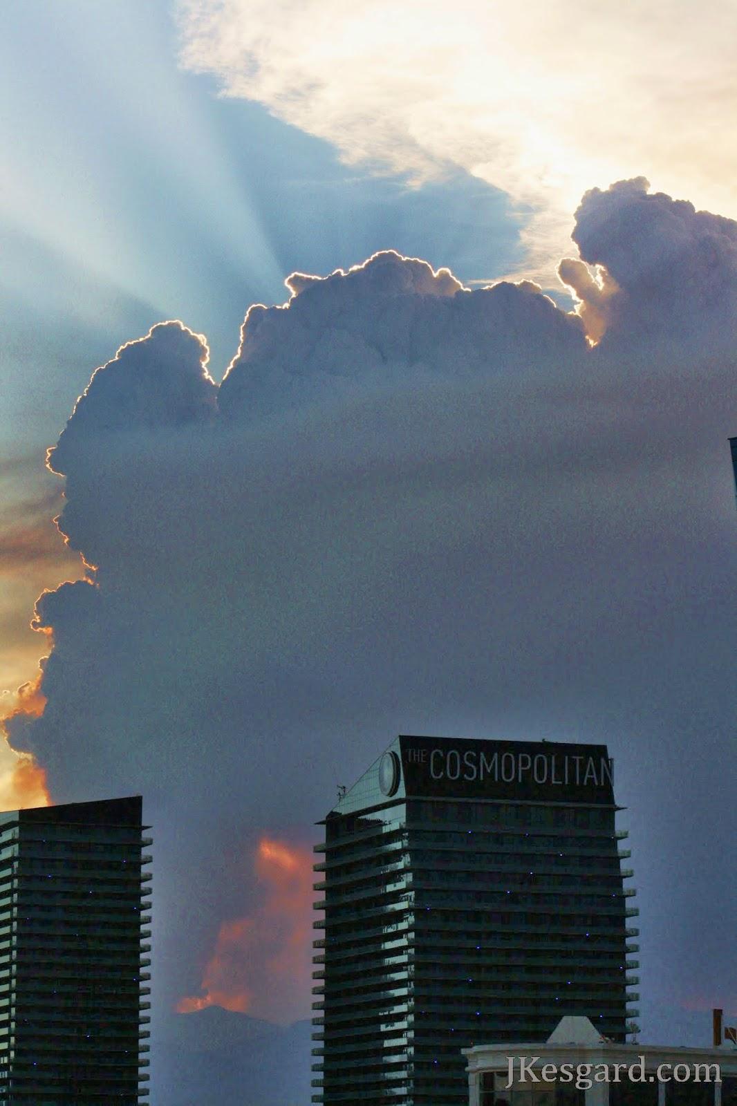 Wildfire in Las Vegas July 2013, smoke column with fire glow.