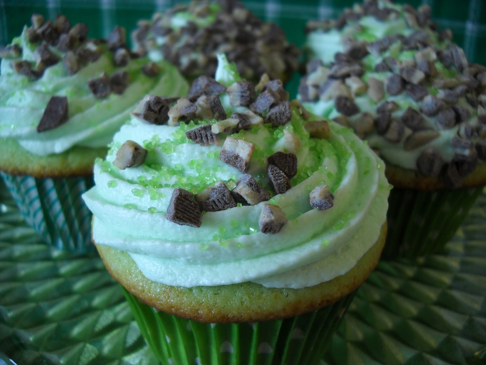 Recipe: Luck O' The Irish cupcakes with vodka and crème de menthe