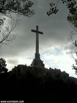 Contraluz de la Cruz del Valle de los Caídos