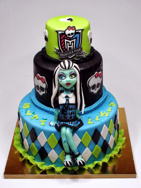 Frankie Stein Monster High Birthday Cake in London