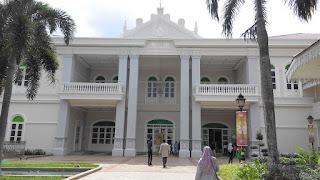 galeri sultan azlan shah, kuala kangsar, bangunan pentadbiran