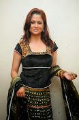 Shilpa Chakravarthy Glamorous Photos-thumbnail-2