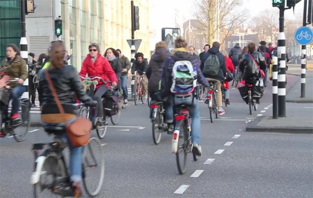Hora do Rush em Amsterdã