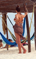 Kelly Brook arriving at the beach in Mexico