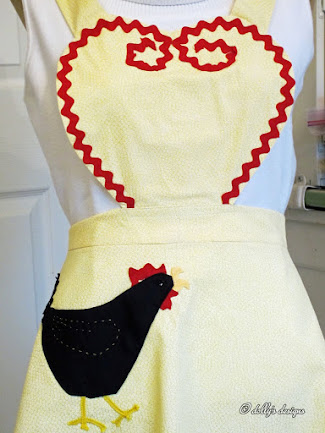 1940's Pattern Rooster Apron