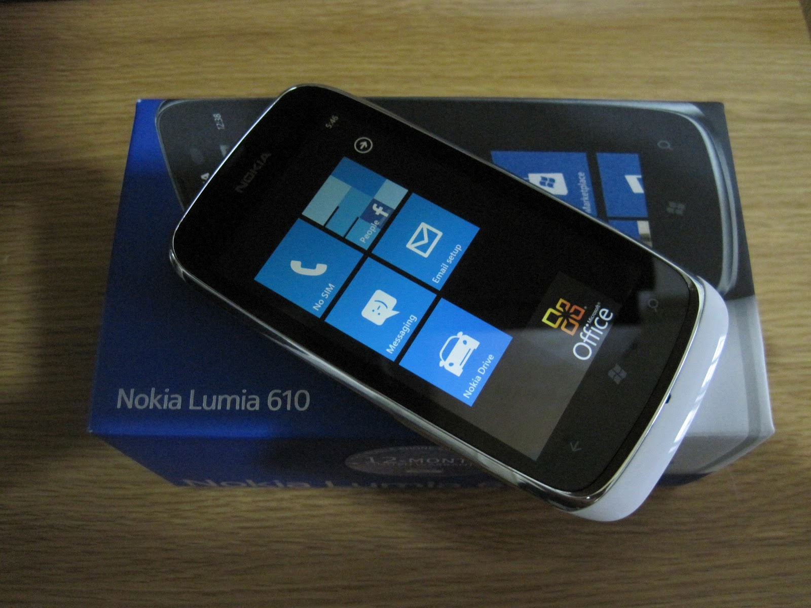 Nokia Lumia 610 Hands-on Review