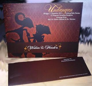 Themed Wedding invitations, Wedding dress