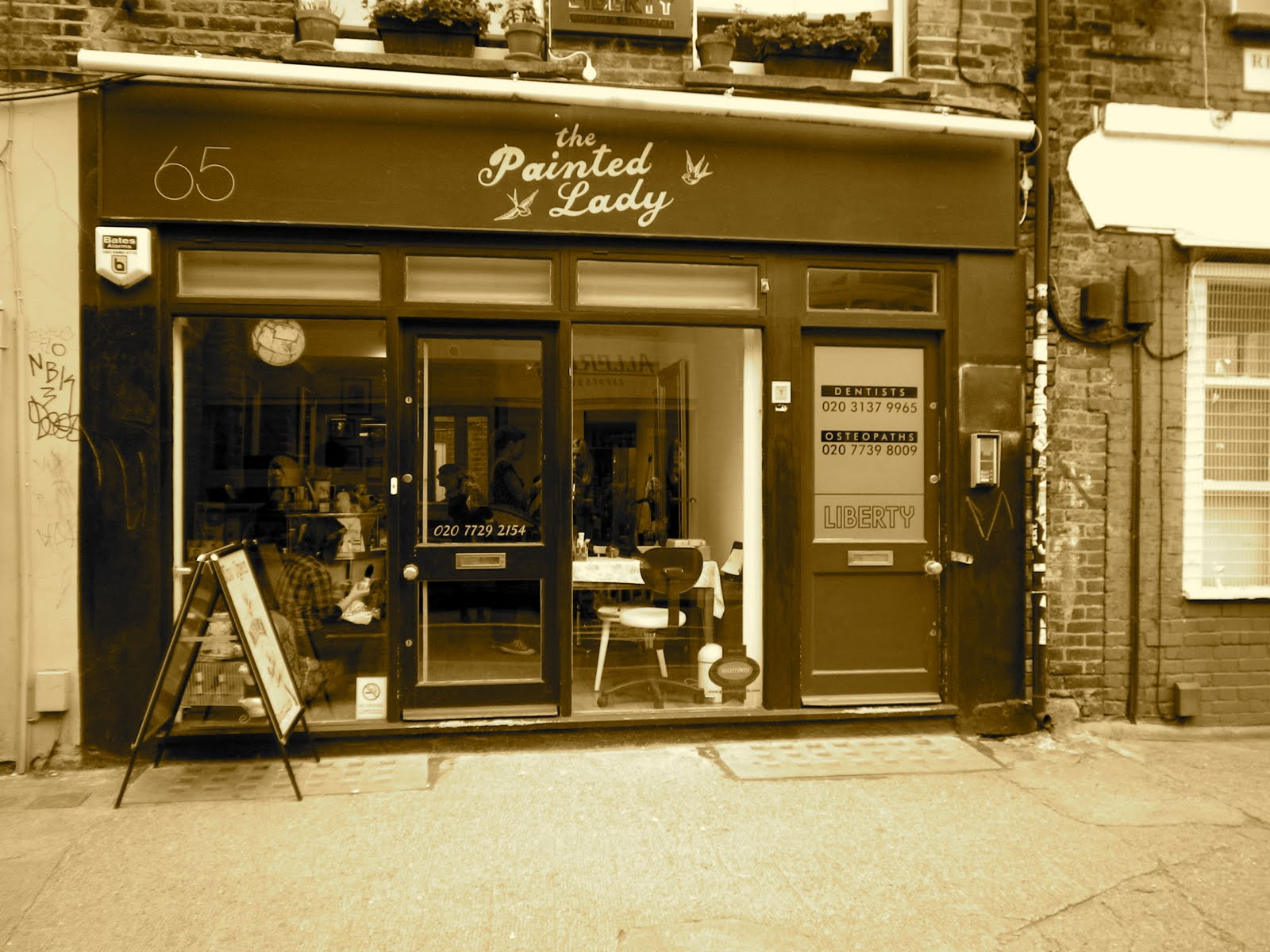A vintage up do at the painted lady shoreditch for Hair salon shoreditch