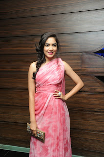 Ritu Varma latest stills (3).jpg