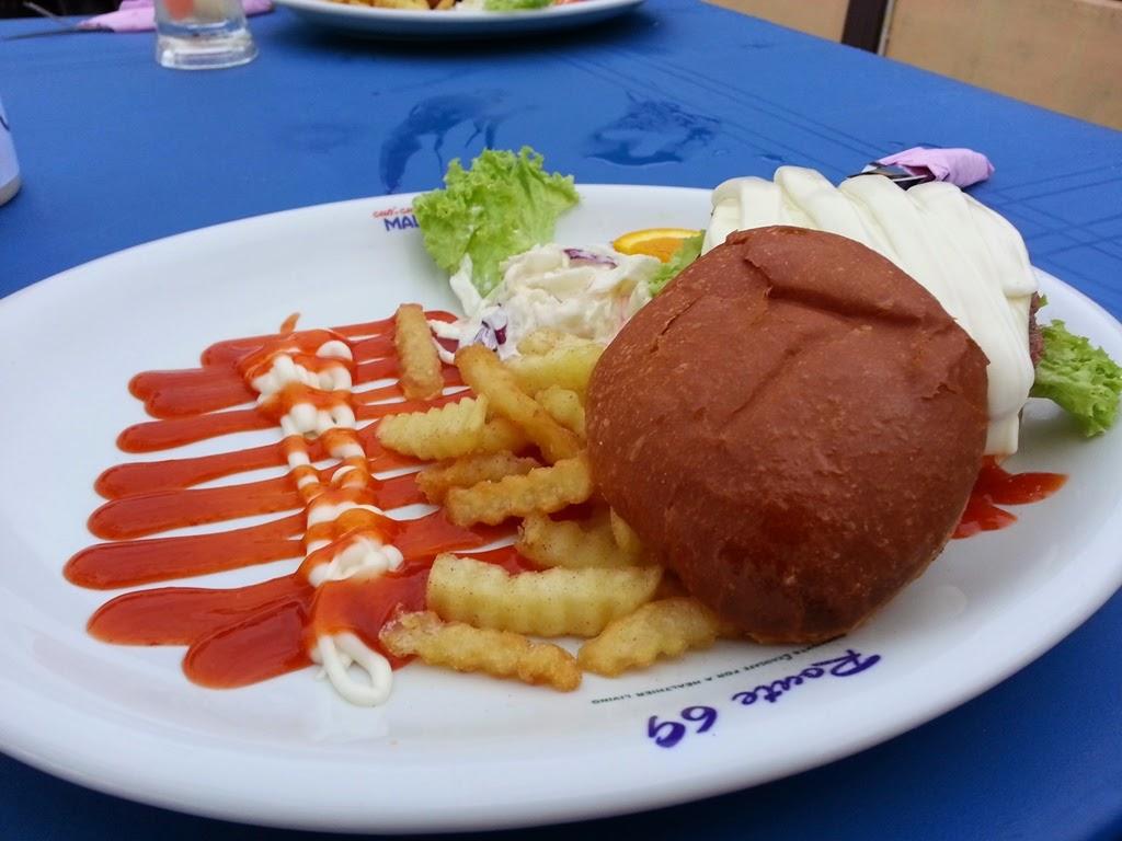 Burger sedap di Taman Robina Teluk Air Tawar