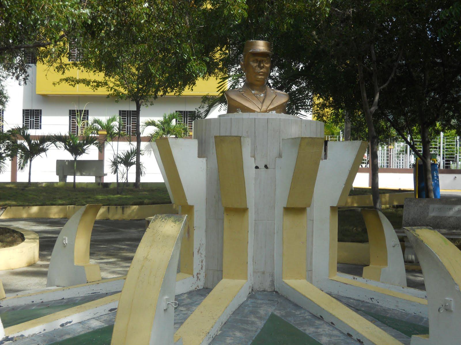 Tarja de Francisco Alberto Caamaño de Ño