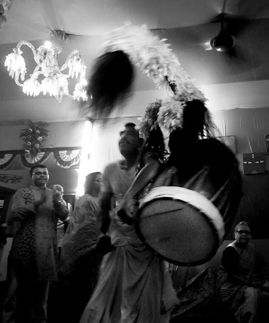 Durga Puja 2012 : Maha Saptami - Dhaaki r Naach