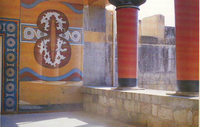 Knossos palace, shields room - Heraklion, Crete |Travel Greece Guide