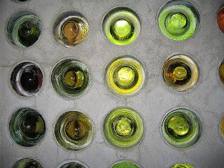 Paredes de botella. Fuente: www.phoenixcommotion.com