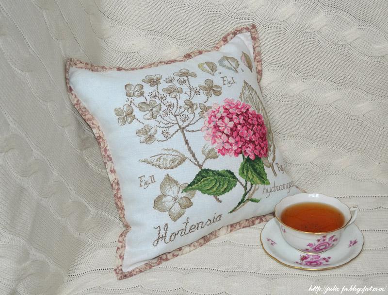 L'étude botanique de l'hortensia, Véronique Enginger, гортензия ботаника, вышивка крестом, подушки с вышивкой