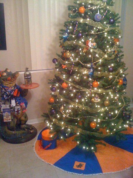 - Christmas Tree Decorating Themes I Run For Wine