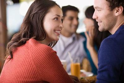 صفات يتمنى ان يجدها الرجل فى المرأة التى سيتزوجها - ways-men-and-women-communicate-differently