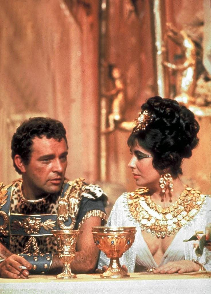 Museo LoPiù: Vintage famous screen couples Richard Burton Cleopatra