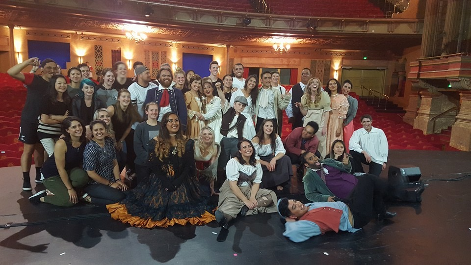 Les Mis Cast & Crew - except my poor girlie who missed it - waaaahhh!!!