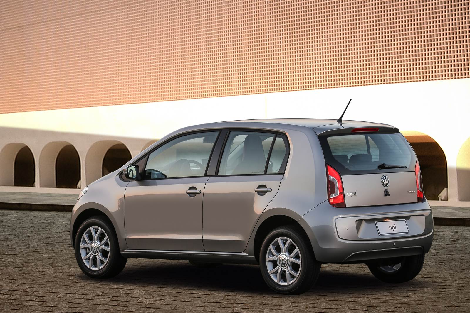 Volkswagen up! High-up! I-Motion