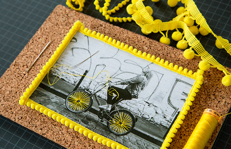 fotografias bordadas e decoradas com fitas