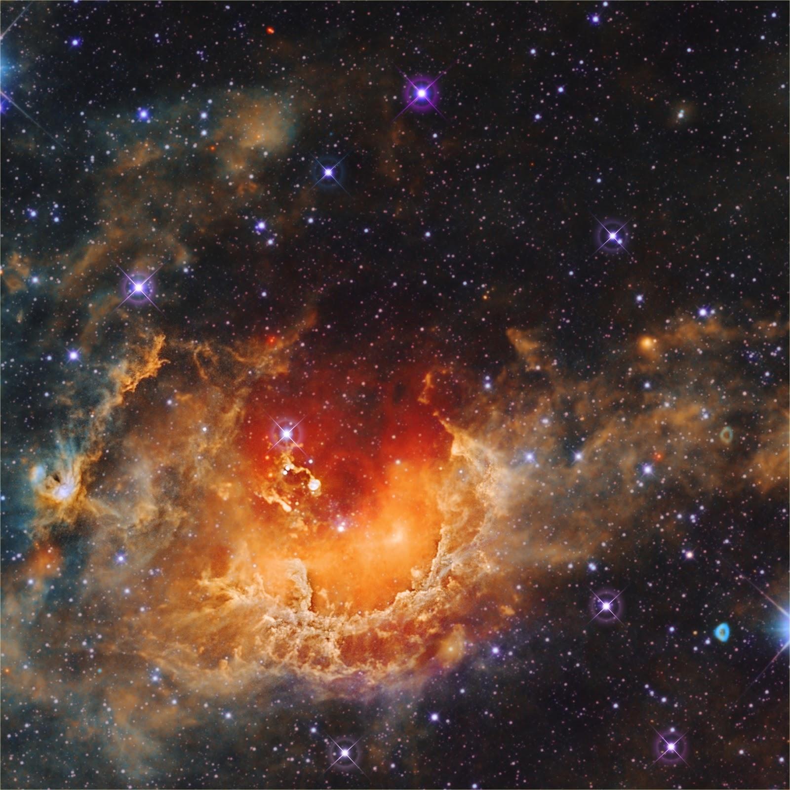 Những ngôi sao được hình thành trong Tinh vân Con nòng nọc.