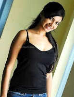 Samantha, hot, cleavage, pics