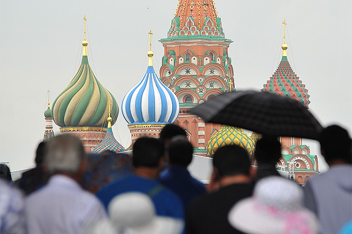 Europeans Share Their Travel Experiences in Moscow