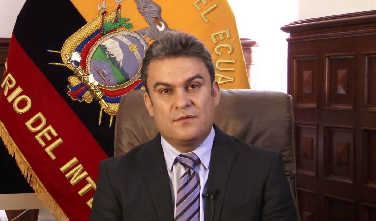 Ministro do interior do equador diz suspeita de ataques for Ministro d interior